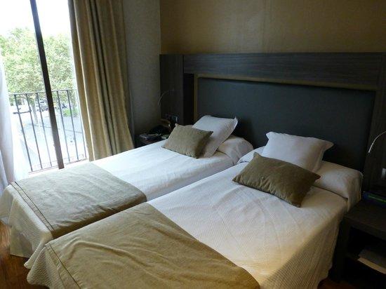Hotel Oasis: Bedroom