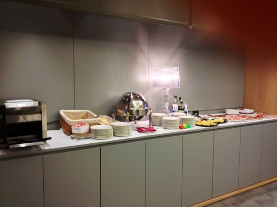Hotel Franz: Il lato del pane tostato e non nel buffet per la prima colazione