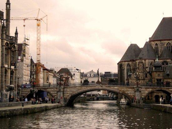 Ghent City Center: Bridge over canal, Gent