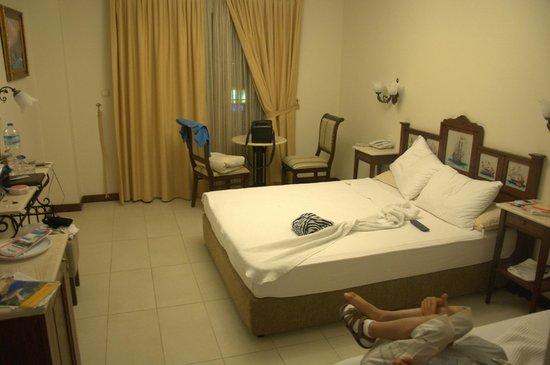 Paradise Friends Yali Hotel & Resort: chambre 5 étoile pour 3 personnes