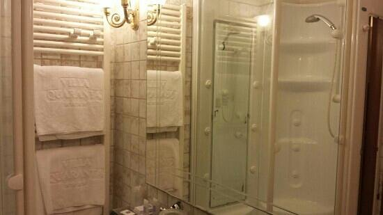 Bagno con doccia idromassaggio picture of villa quaranta tommasi