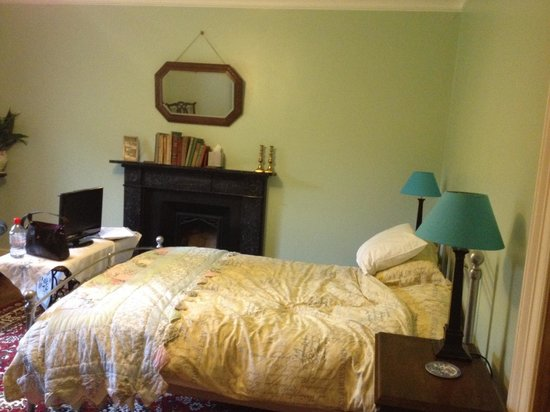 The Old Rectory Bed & Breakfast: The Green Room