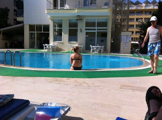 Asli Hotel: Pool Side