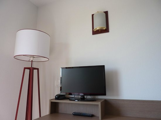 Appart'City Marseille Euromed: TV inside the room