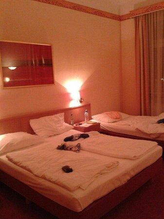 Hotel Allegro: Room 408 :)