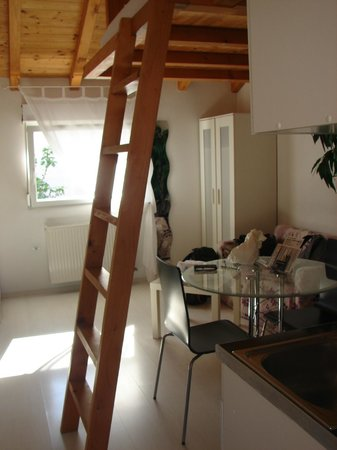 Apartments Zadar : mezzanine séjour