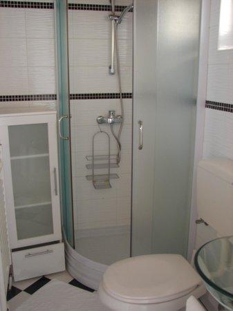 Apartments Zadar : salle de bains