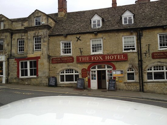 The Fox: Old building, comfortable.