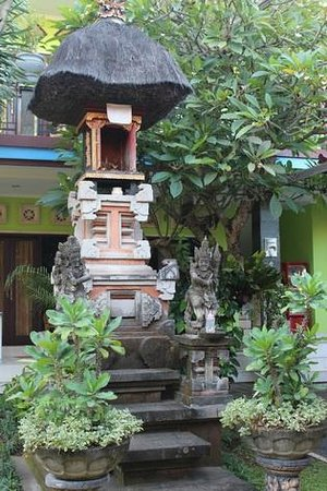 Budha's Guesthouse: Hotel's garden