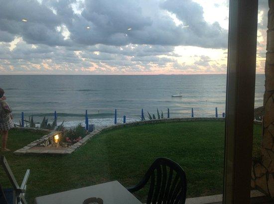 Martino Club Hotel: Aus dem Zimmer direkt an den Strand
