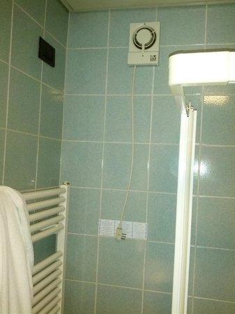 Hotel Lo Zodiaco: aspiratore da collegare a mano...se ci si arriva