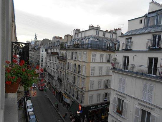Hotel Aida Marais : Vista sulla strada a sinistra
