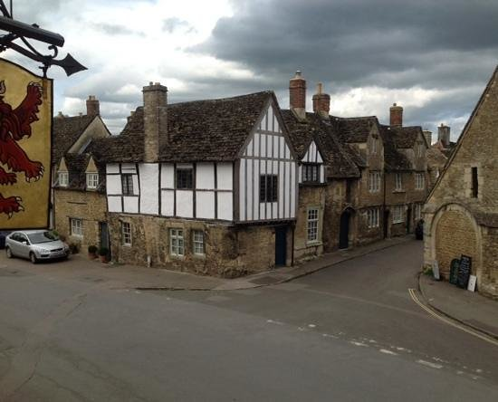 The Red Lion: such a lovely village.