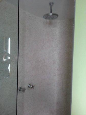 Pahuwayan Suites: toilet.