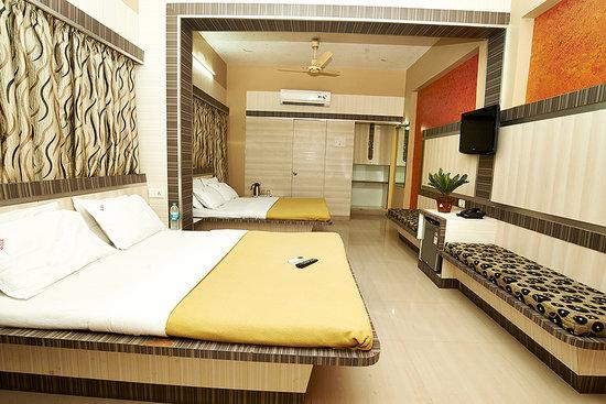 Sai Deep Vilas: AC Family suite 4 Bedded