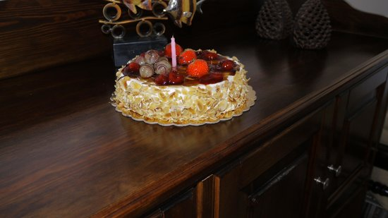 Lithies Traditional Homes: My Birthday Cake