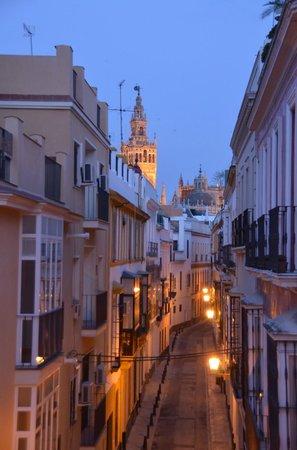 SleepinSevilla Apartamentos Quiros: uitzicht vanuit appartement SleepinSevilla op de Giralda