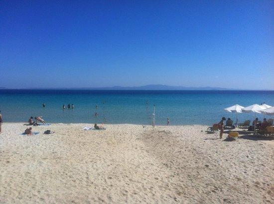 Nostos Hotel: Strand etwa 10 min zu Fuß, sehr sauber