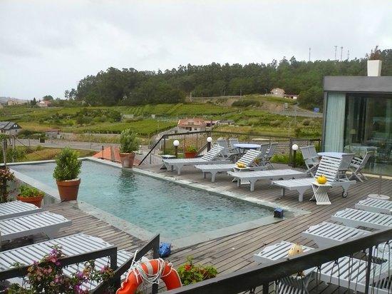 Hotel Quinta de San Amaro: Hacía frío y aún así provocaba estar mirando el paisaje