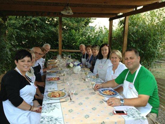 Ecco La Cucina: Wonderful lunch outside!