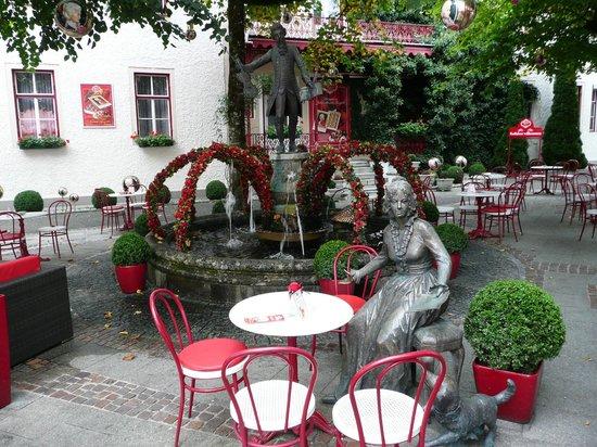 Cafe Reber: Auf der Innenhof Terrasse