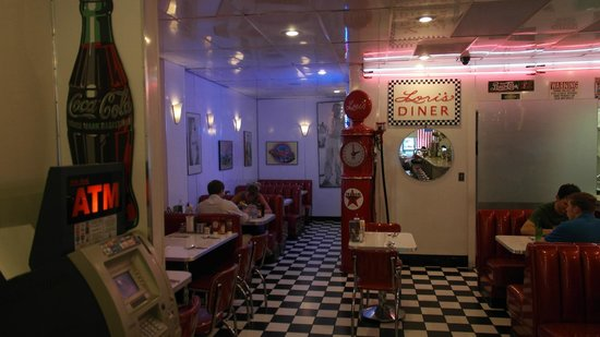 Lori's Diner: Restaurant
