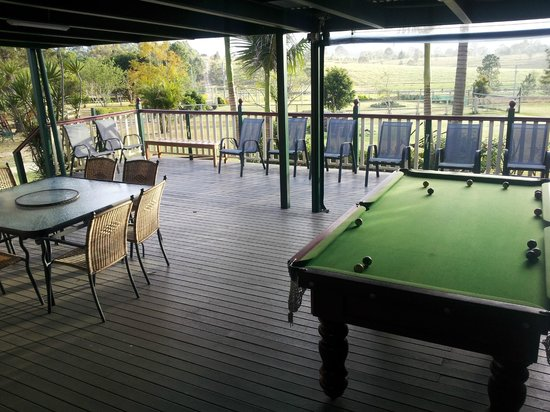 Clandulla Cottages, Beaudesert: Huge balcony!