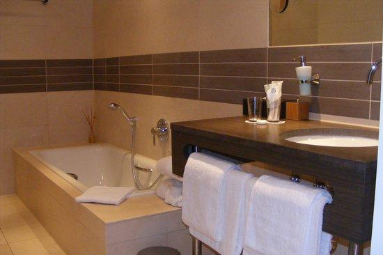 Hotel Ebertor: badkamer
