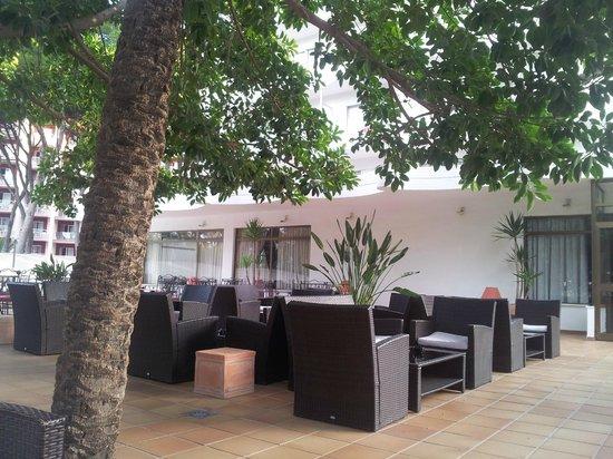 Hotel Riu Festival: Gemütliche Terasse