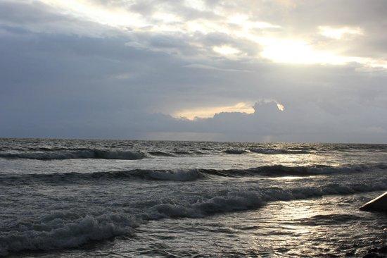 Hotel Seme Beach: black sand beach