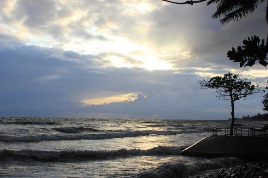 Hotel Seme Beach: sunset on seme beah