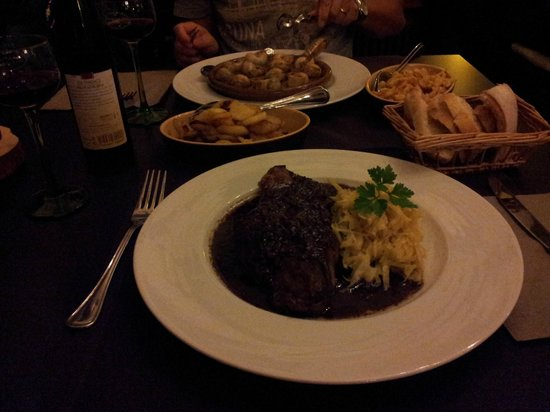 l'arbre vert: steak with red wine source