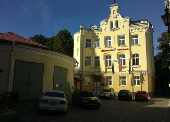 Rixwell Old Town Hotel: View from outside