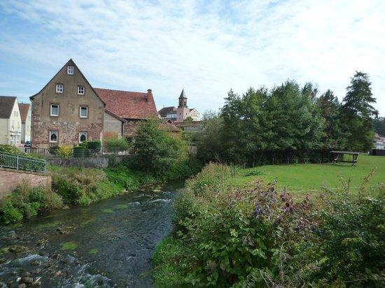 Kloster Hornbach: Ansicht vom Dorf