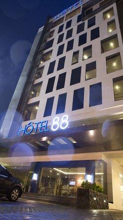 Hotel 88 Embong Malang: Main Hotel