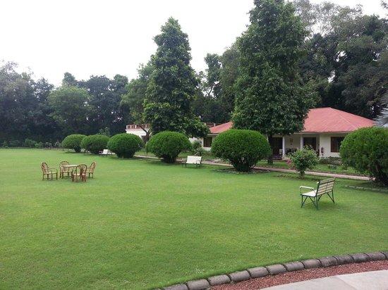 Vivanta by Taj - Sawai Madhopur Lodge: Verandah view