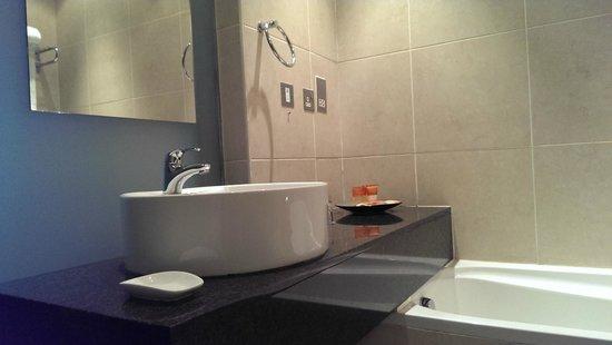 Protea Hotel Ikeja : Bathroom