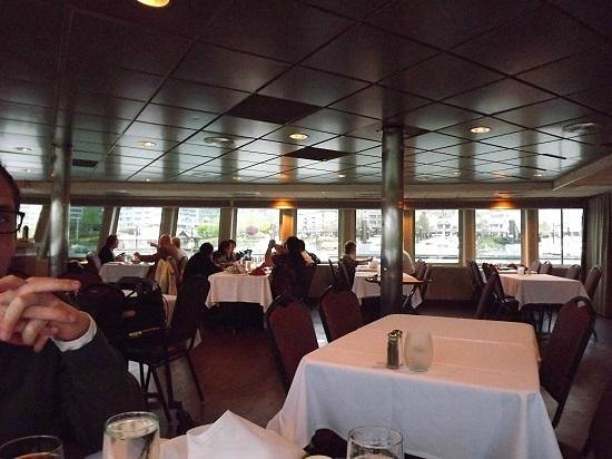 Portland Spirit River Cruises: PORTLAND SPIRIT DINING ROOM