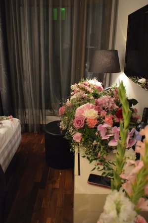 MOODs Boutique Hotel : At night
