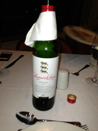 Premier Hotel Regent: For house wine, most excellent