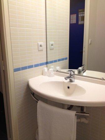 B&B Hôtel Vannes Ouest Golfe du Morbihan : bathroom1