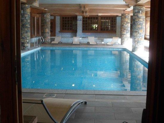 Residence CGH Le Hameau du Beaufortain: La piscine et jacuzzi
