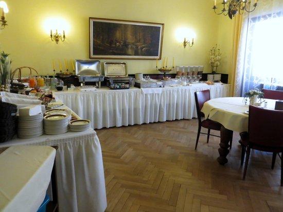 Grimmelshausen Hotel: Frühstücksbüfett