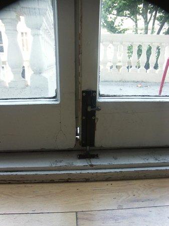 Hyde Park Suites: Fenêtre:Jour dans les huisseries 2