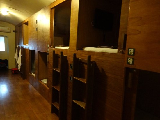 Suneta Hostel Khaosan: Cabin Beds