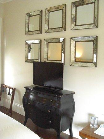 Blue Door Inn: Buckingham suite