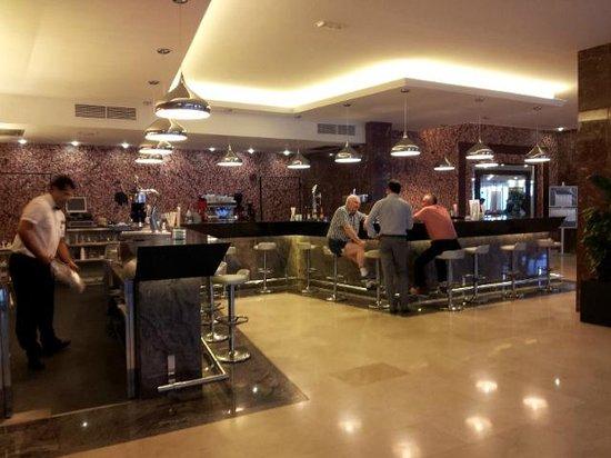 Sirenis Hotel Goleta & Spa: Bar Hotel