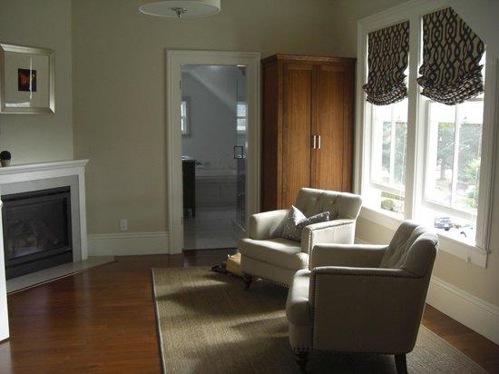 Blue Door Inn : Buckingham suite