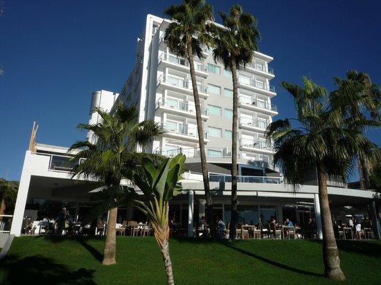 Hotel Riu Nautilus: vue extérieure coté plage