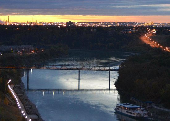 The Fairmont Hotel Macdonald : View at Dawn